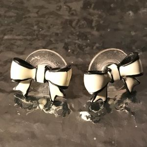 White black bow post stud Betsey Johnson earrings